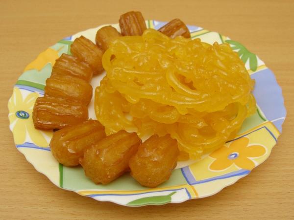 cakes_pastries_10_20091104_1236806273