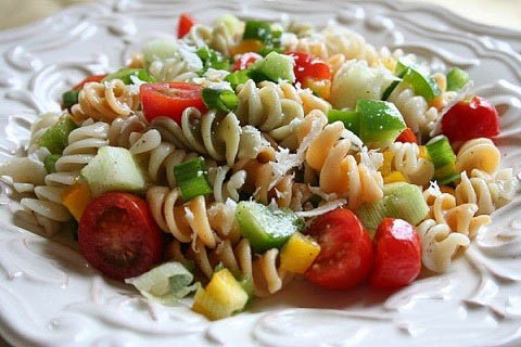 Fa3tFood.Com-Decorated-Pasta-Salad-19