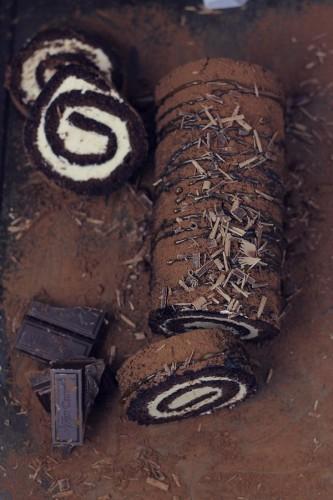 مدل های تزیین رولت های خامه ای و شکلاتی