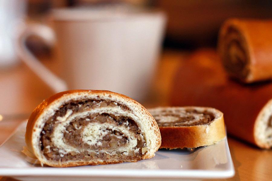 Nut-Roll