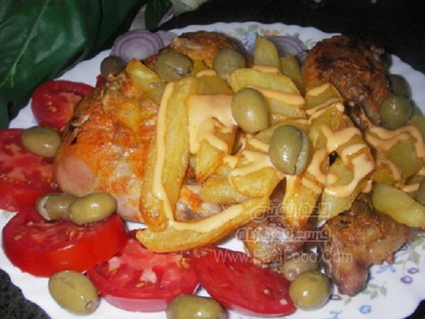 خوراک مرغ با سس ماست