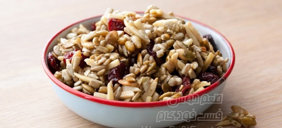 VF0302_Pumpkin-Seed-Dried-Cherry-Trail-Mix_s4x3-575x262