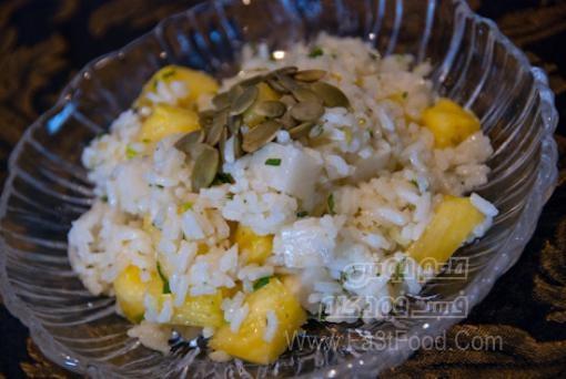 سالاد برنج و آناناس