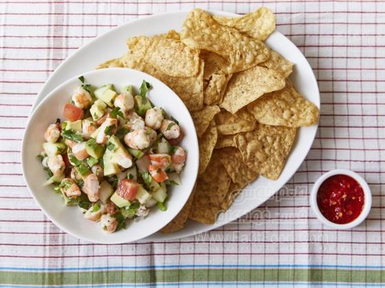 خوراک دریایی میگو با آووکادو