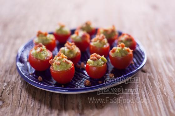 گوجه گیلاسی پرشده با آووکادو