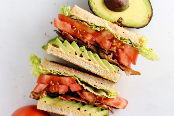 ساندویچ کلاسیک آووکادو