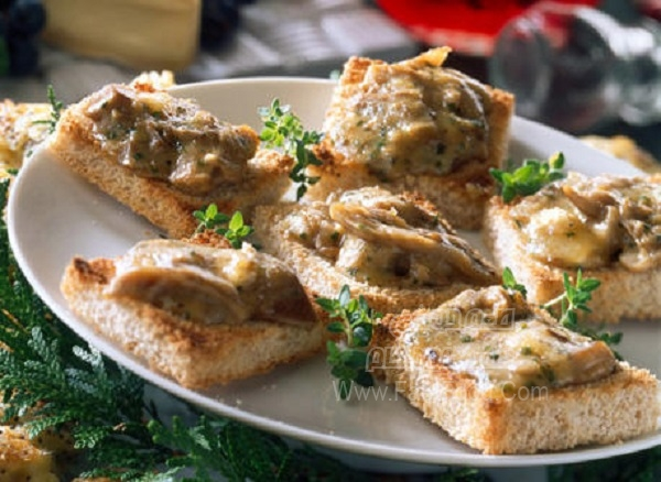 کاناپس قارچ با نان تست