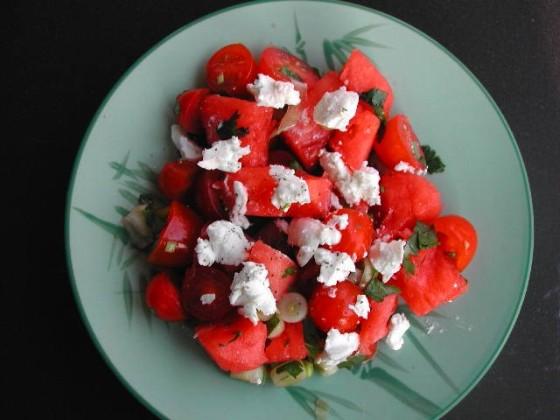 سالاد هندوانه و گوجه