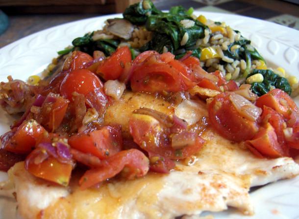 مرغ با سس گوجه گیلاسی