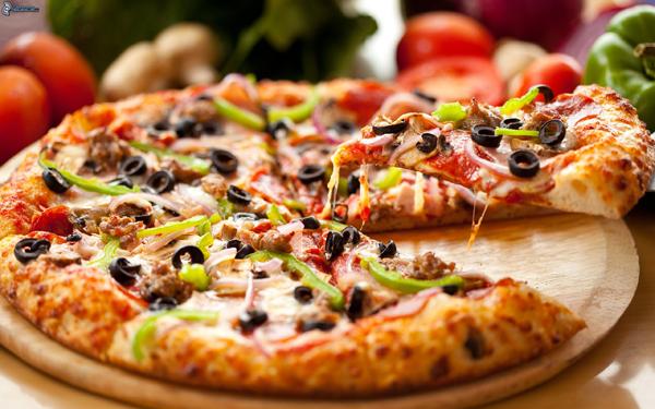 پیتزای مارتادلا