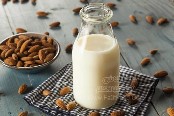 شیر بادام نوشیدنی مقوی