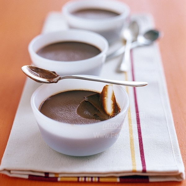 دسر کاستارد شکلاتی